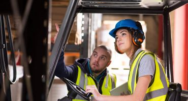 female-forklift-driver-training-000063174529_Large